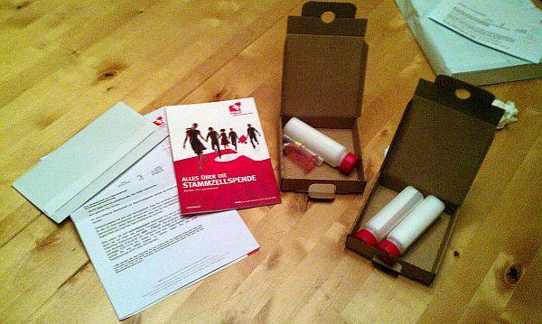 So sieht das Blutentnahmepaket der DKMS  aus