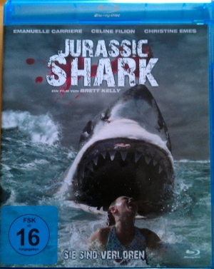 "Das BluRay-Cover von ""Jurassic Shark"""
