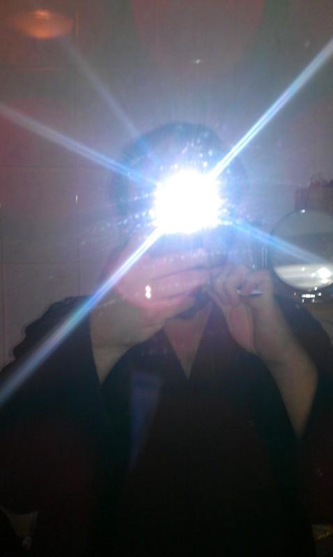 Badezimmerspiegel-Selfie. Mache ich das richtig?