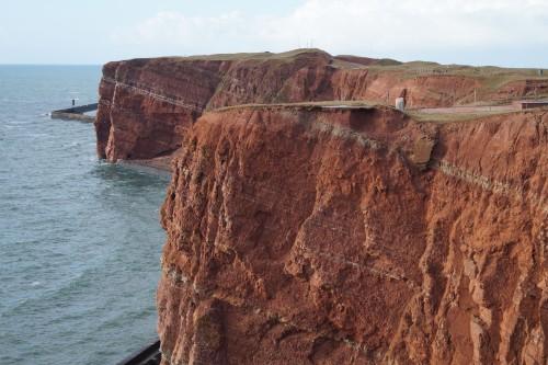 Die Steilküste von Helgolands Vogelfelsen